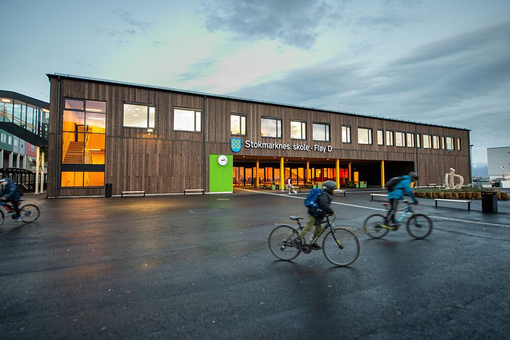 Artikkel om Stokmarknes Ungdomsskole i Nordfra