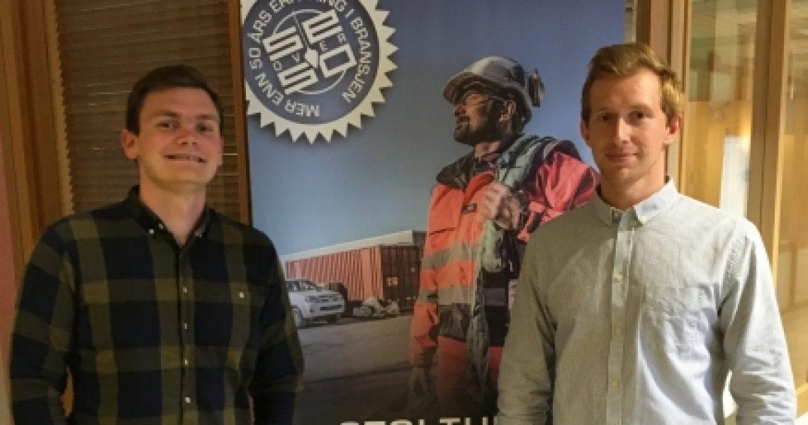 Bilde av to unge menn